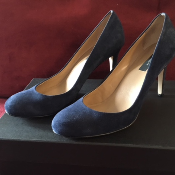 4f308215fe6 Ann Taylor Shoes - !Host Pick! Ann Taylor Navy Blue Suede Heel